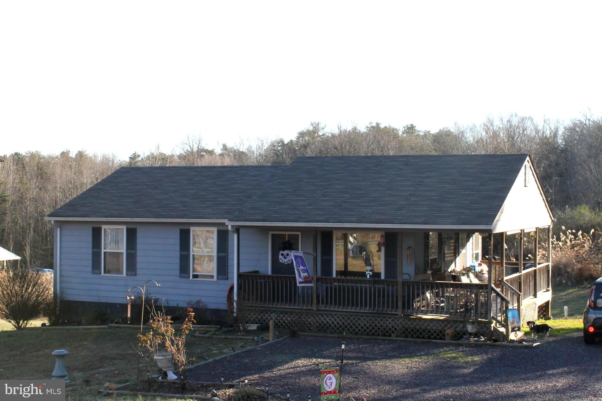 5454 ORANGE RD, RADIANT, VA 22732