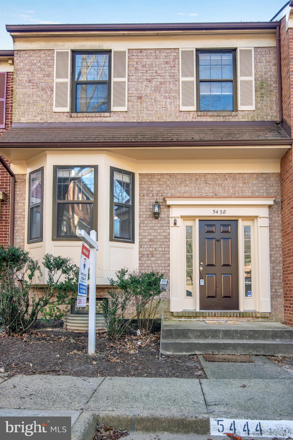 Three-level townhome living in an amazing location! Right off of S. Van Dorn St., close to commuter bus and Metro. Express bus to Pentagon! Quick access to 395! Features fresh paint, new carpet, fireplace in the basement, and fenced rear patio.