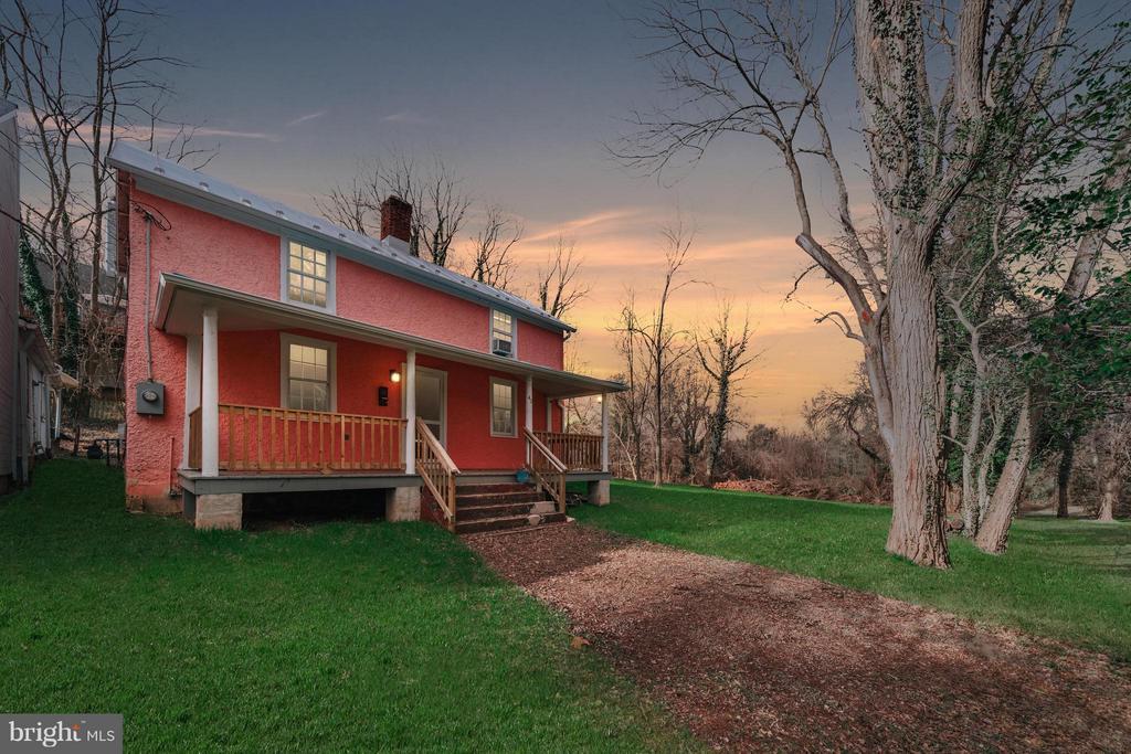42  SPRING LANE, Warrenton, Virginia