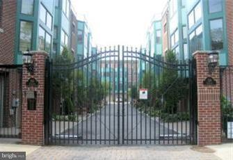 524 Christian Street #B Philadelphia, PA 19147