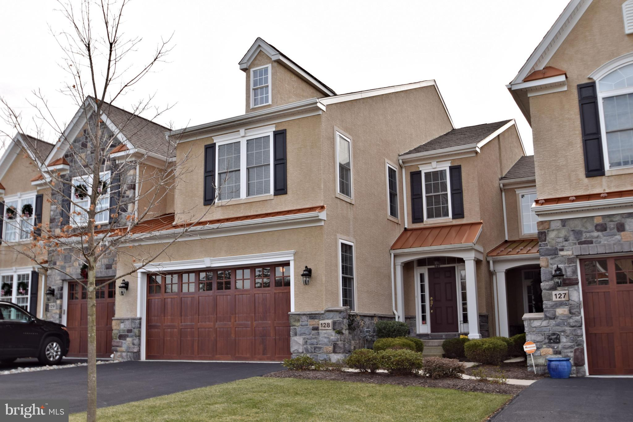 128 CARRIAGE COURT, PLYMOUTH MEETING, PA 19462