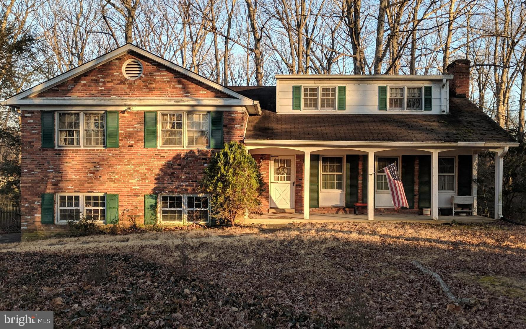 Excellent opportunity to invest in this home!  Situated on almost 3/4 acre in the heart of Mount Vernon on one of George Washington's original farms. There is so much potential to make this home shine!  Newer HVAC and Gas Furnace (installed around 2015/ 2016).  Home is being sold AS-IS.