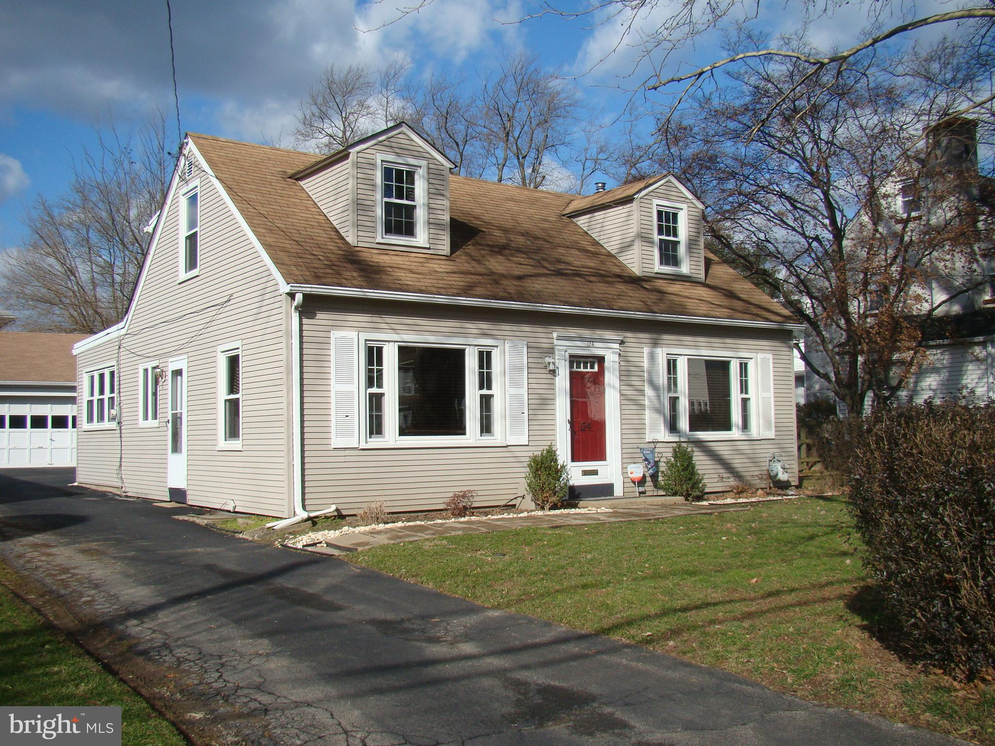 124 CAMERON ROAD, WILLOW GROVE, PA 19090