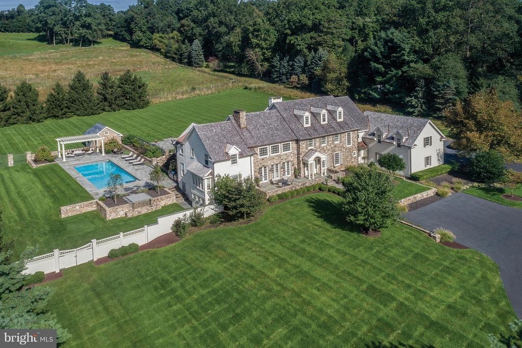 6151 GREENHILL ROAD, NEW HOPE, PA 18938