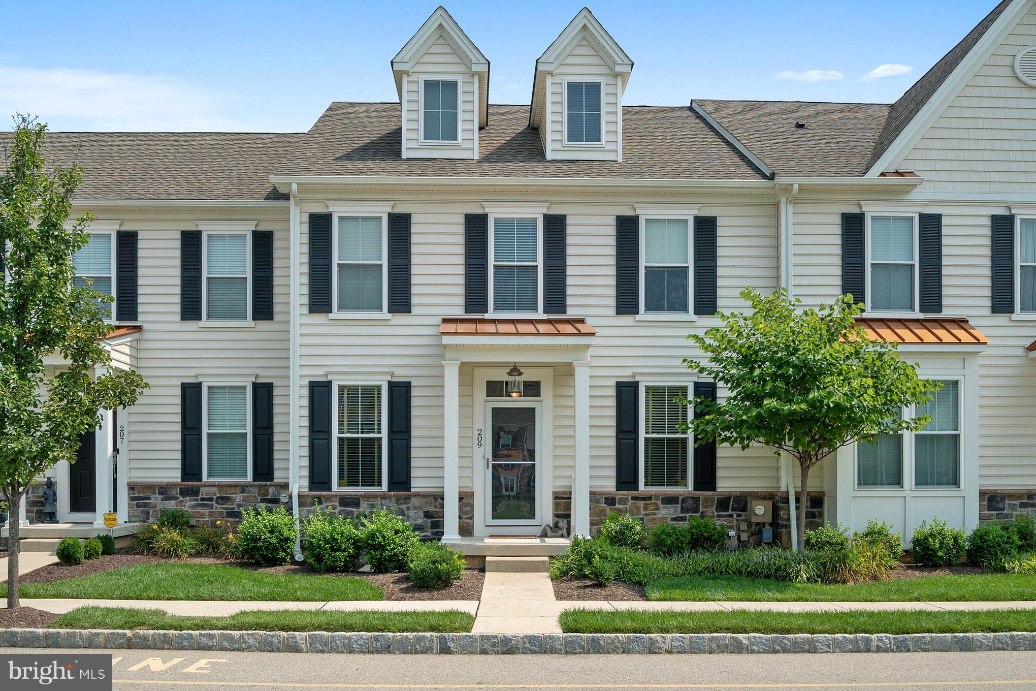 209 RITTENHOUSE SQUARE, PLYMOUTH MEETING, PA 19462