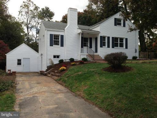 3125 Olin Dr, Falls Church, VA 22044