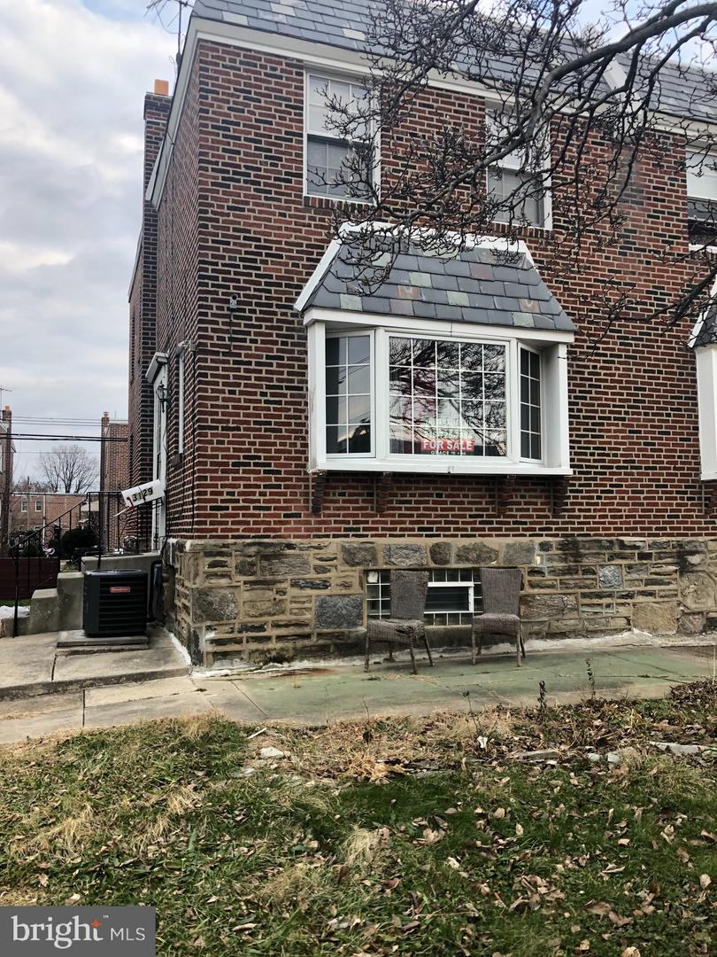 3129 Windish Street Philadelphia, PA 19152