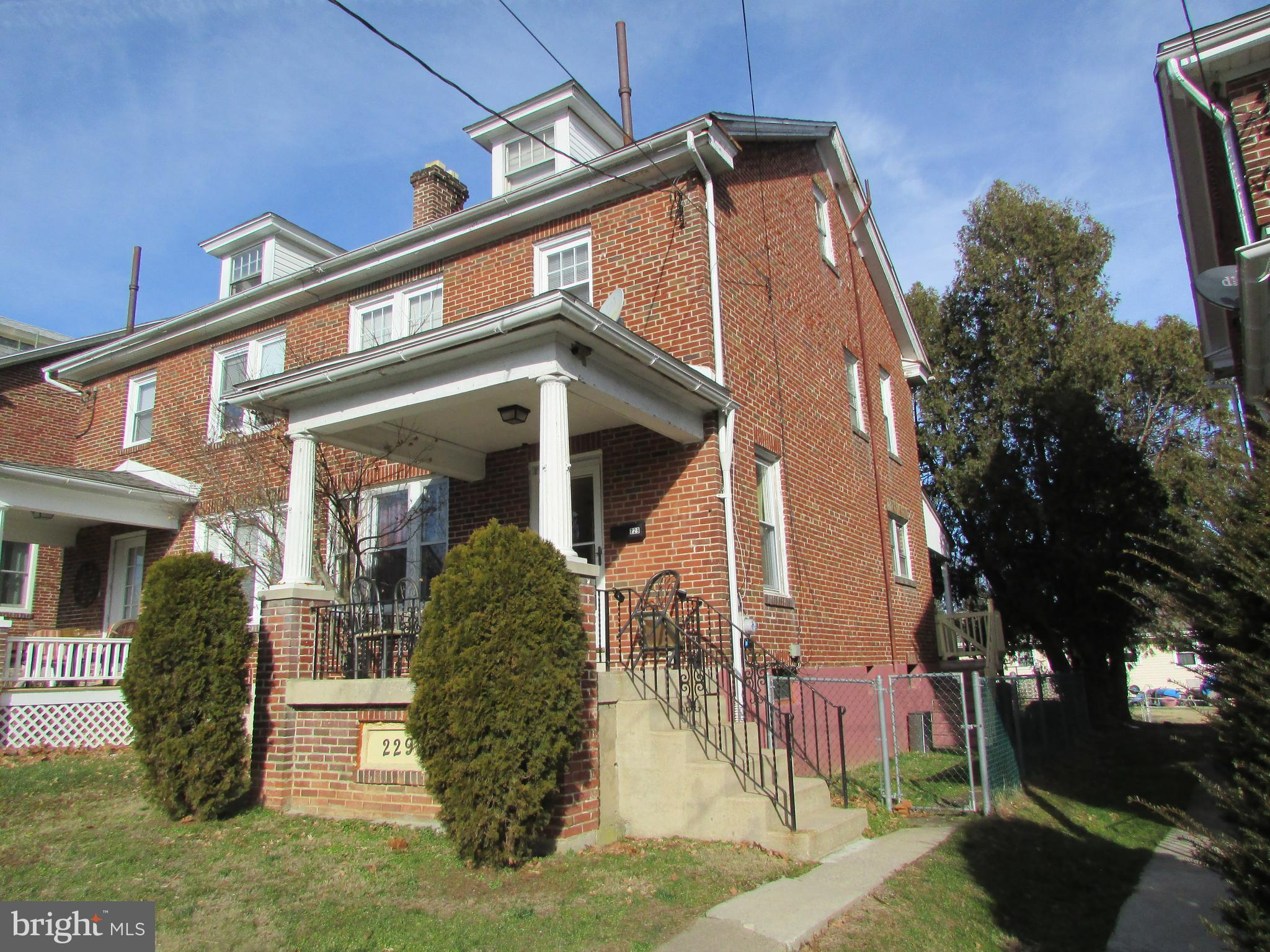229 HANLEY PLACE, READING, PA 19611