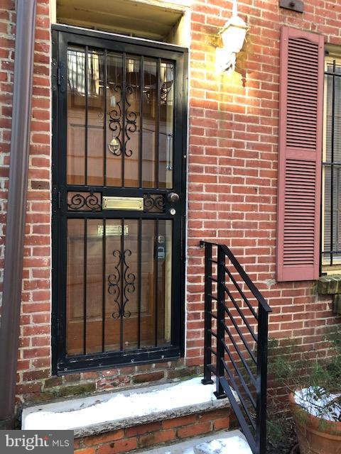 2138 Tryon Street Philadelphia, PA 19146