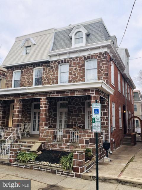 1313 Castle Avenue Philadelphia, PA 19148