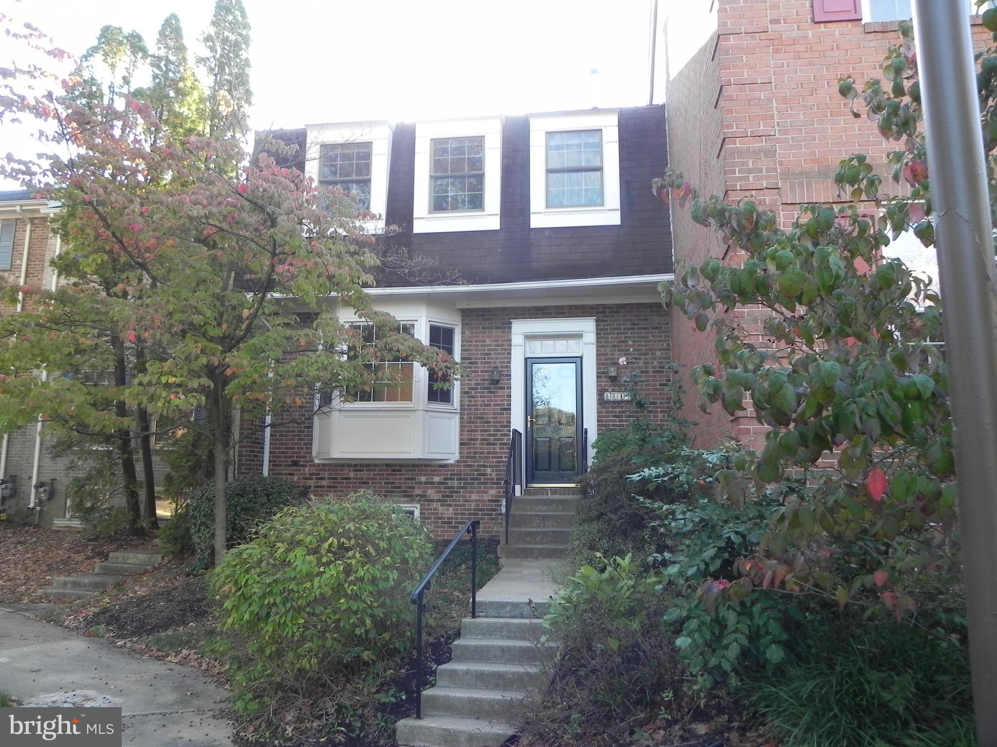 Great townhouse in quiet community.  Features large kitchen with table space, open floor plan on main level, hardwood floors throughout, 2 fireplaces, deck, patio, 4 bedrooms 3.5 baths.  Great house call for a showing