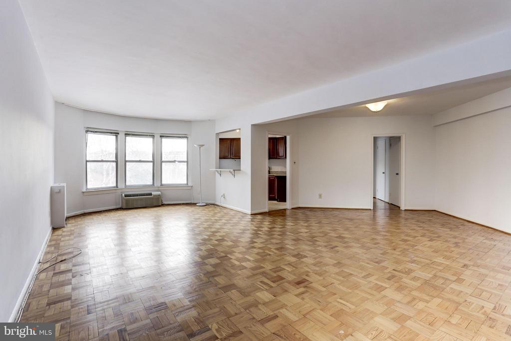 New Price!1,000+ sq ft corner condo with views of the garden.  Tons of natural light, updated kitchen, granite countertops and stainless steel appliances in the heart of Georgetown.  Convenient proximity for working downtown and near the White House.  Close walk to entertainment on M St, Georgetown Waterfront and Dupont.   Freshly painted, lots of storage with 6 closets.  24 hour front desk, concierge service, roof deck, onsite gym and laundry.  Condo fee includes AC, heat, electric, water and more.