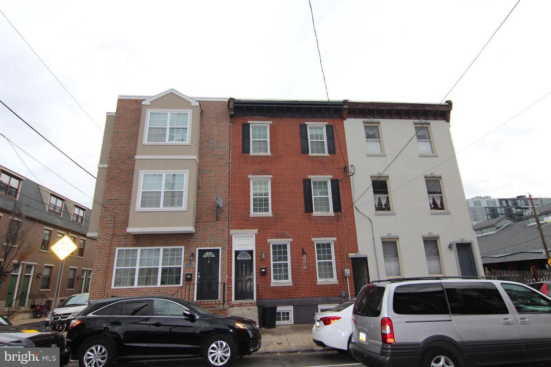 919 S 15TH Street Philadelphia, PA 19146