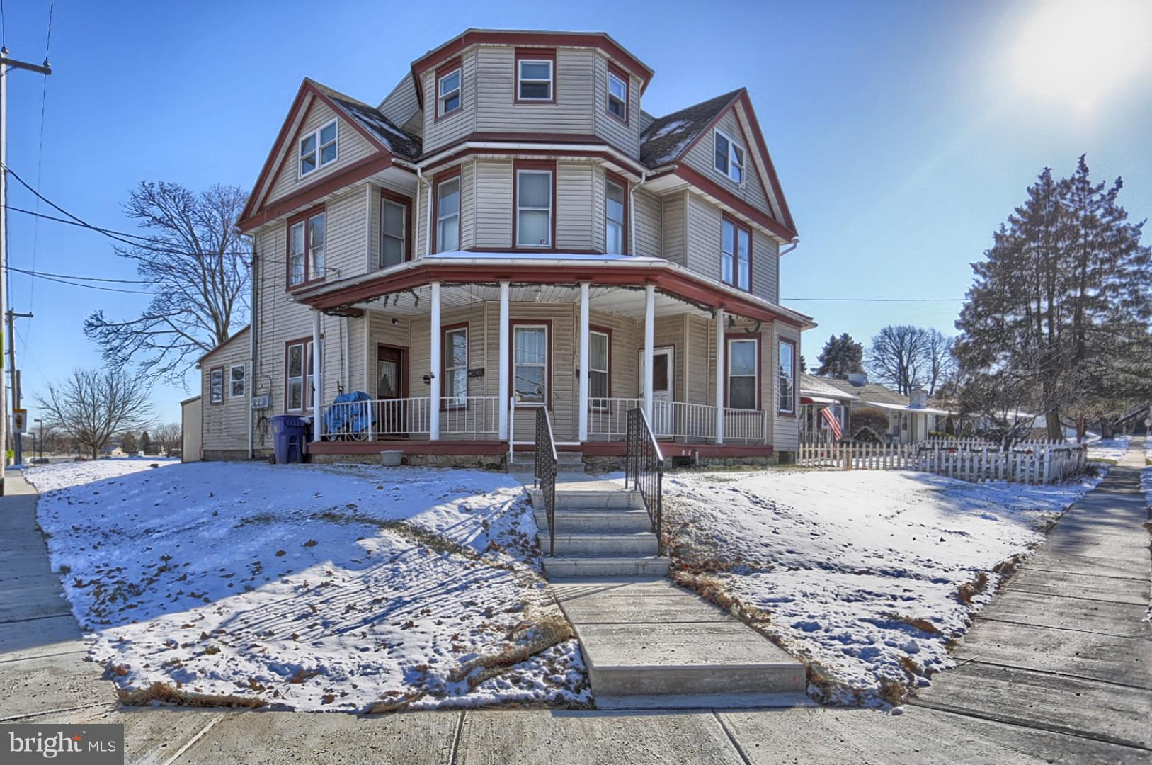 54 LINCOLN DRIVE, WERNERSVILLE, PA 19565