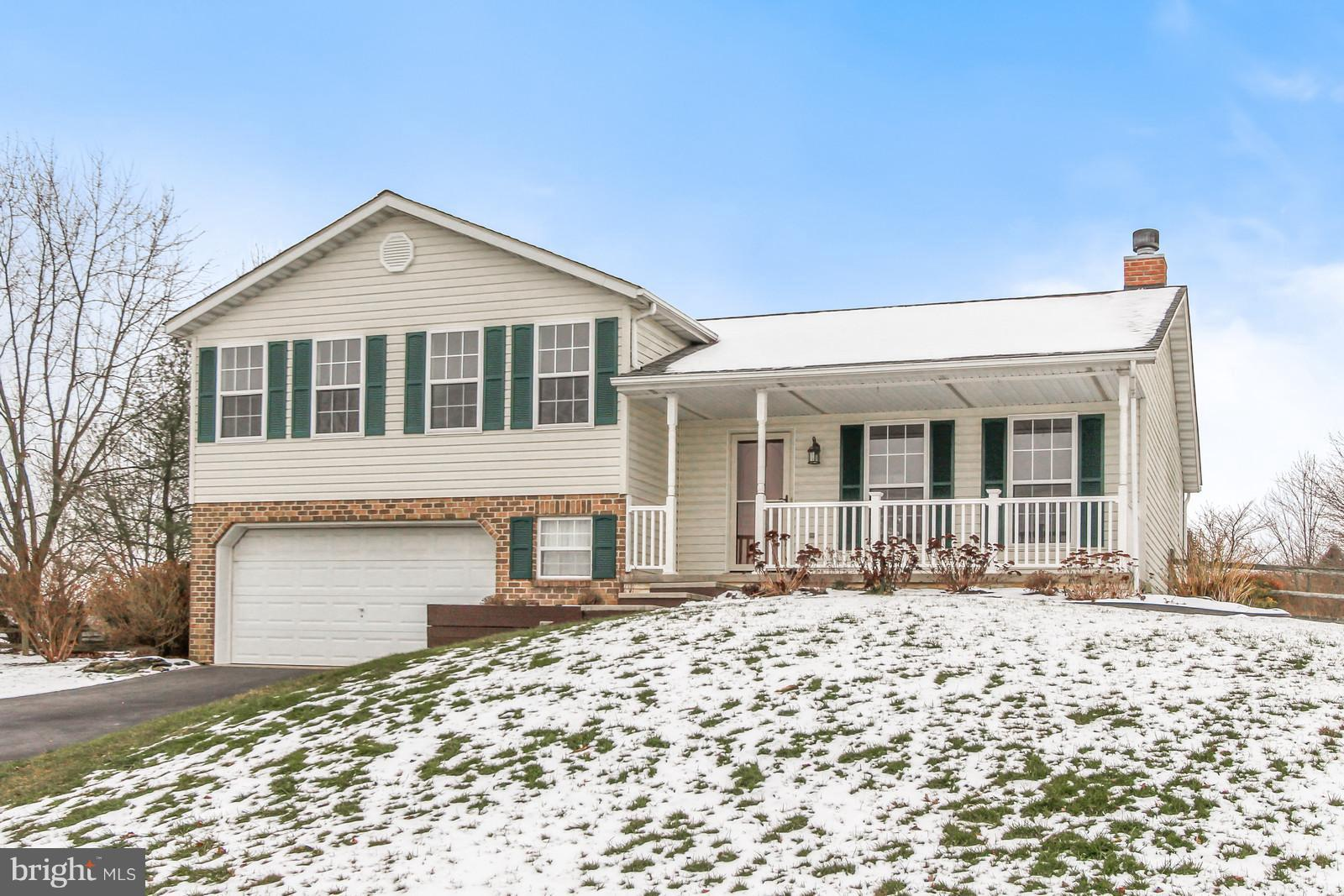 169 BERKSHIRE LANE, STEWARTSTOWN, PA 17363