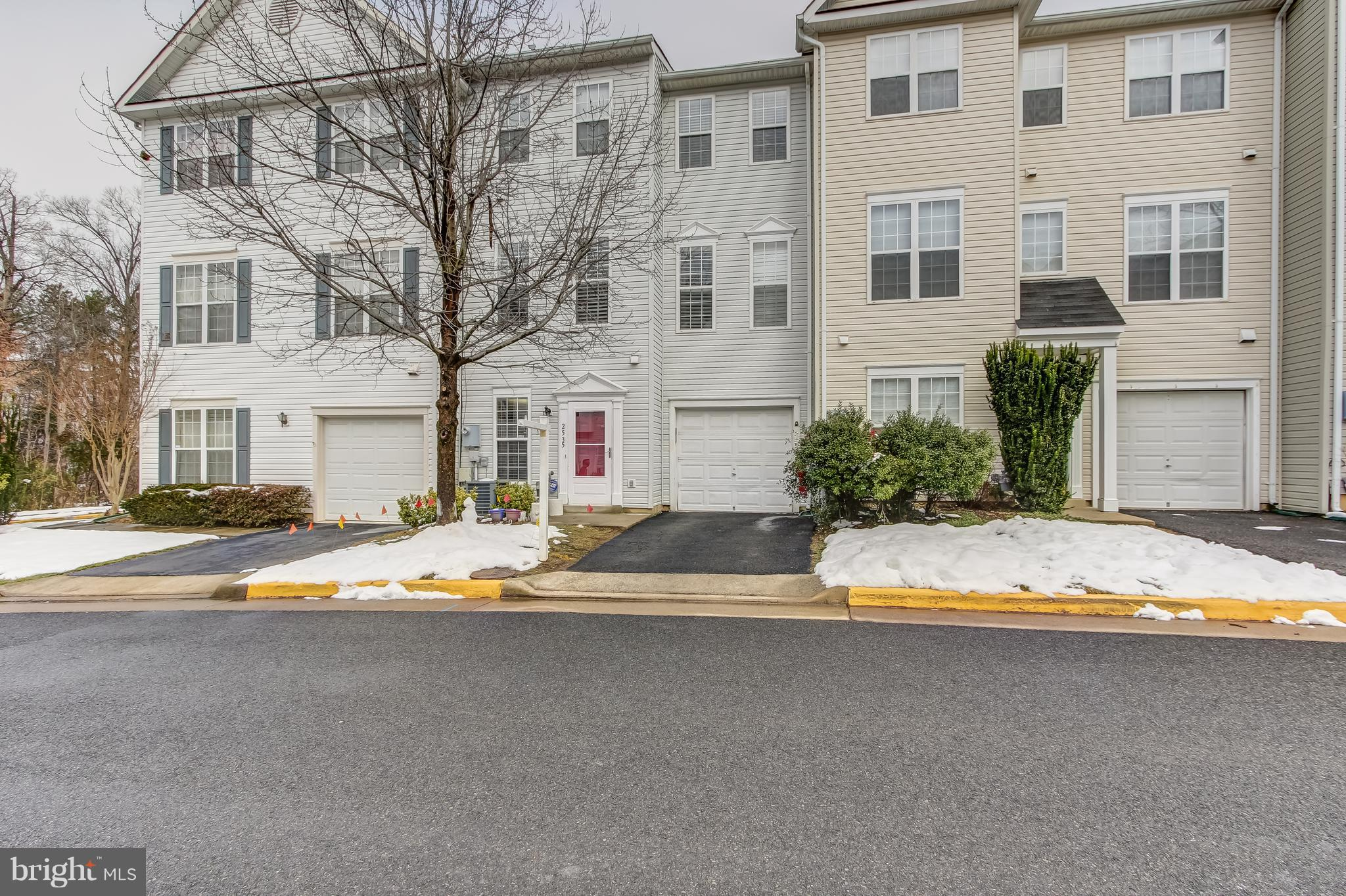 **MOVE-IN READY **BEAUTIFUL & BRIGHT TOWNHOME W/ TWO MASTER SUITES WITH WALK-IN CLOSETS AND LARGE BATHROOMS. THIS 3 LVL TOWNHOME IS LOCATED IN SOUGHT AFTER MCNAIRS FARMS COMMUNITY AND IS WITHIN MINUTES FROM THE NEW SILVER LINE METRO STOPS**UPGRADES GALORE LARGE KITCHEN, LIVING & DINING ROOM SPACE ON MAIN LEVEL PERFECT FOR ENTERTAINING**STUNNING FIREPLACE**FRESH PAINT**NEW LAMINATE FLOORING AND  CUSTOM PLANTATION BLINDS.**NEW WASHER/DRYER WHICH CONVEYS**ATTIC INSULATION**THE TOWNHOME HAS ATTACHED 1 CAR GARAGE WITH REMOTES/OPENER. PLENTY OF STREET AND PERMIT PARKING AVAILABLE. **PREMIERE FAIRFAX COUNTY SCHOOLING DISTRICT**CLOSE TO MAJOR SHOPPING, RESTAURANTS, AIRPORT, FUTURE METRO, RESTON TOWN CENTER, DULLES HI-TECH CORRIDOR AND MORE. THIS IS A MUST SEE**