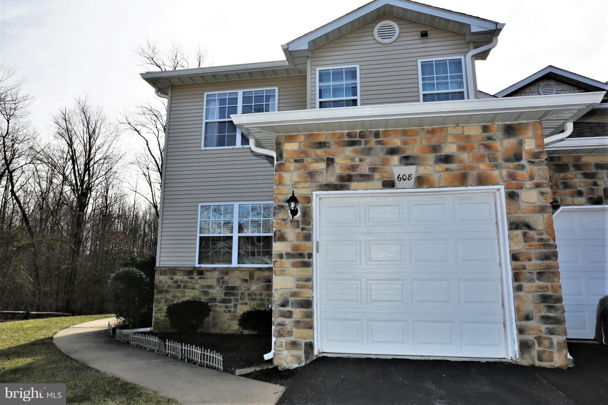 608 FALCONGATE DRIVE, MONMOUTH JUNCTION, NJ 08852
