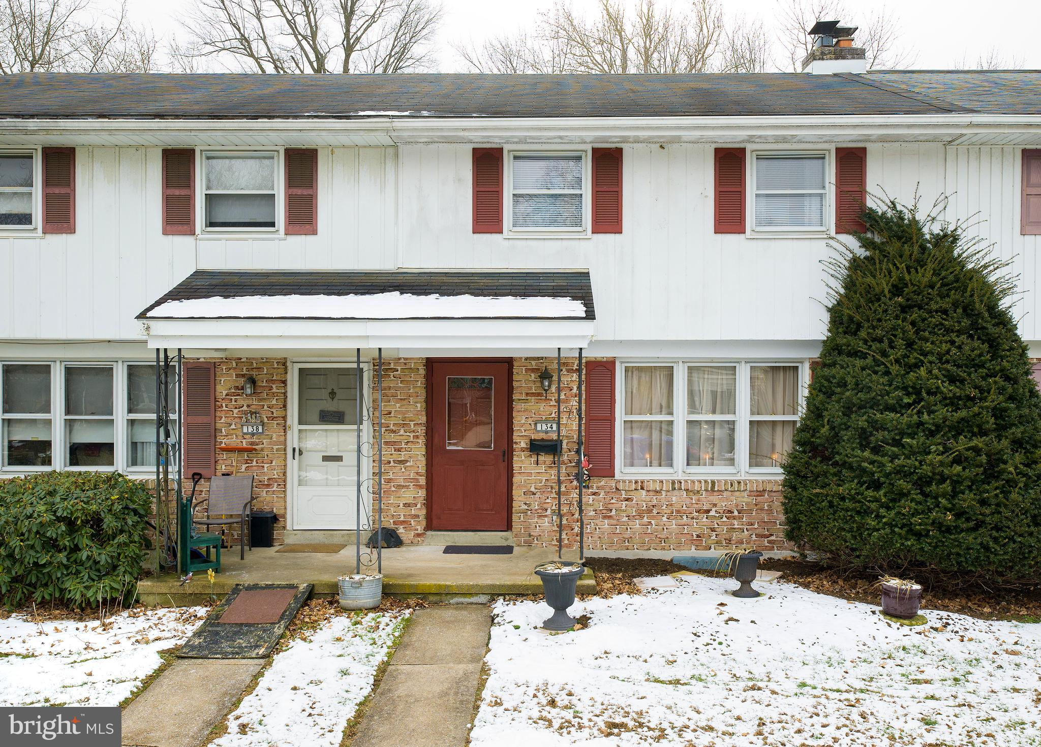 134 PENNBROOK AVENUE, ROBESONIA, PA 19551
