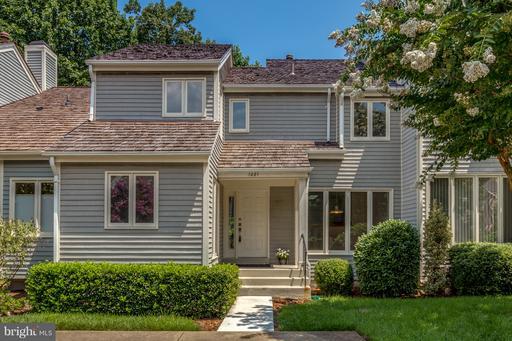 1281 Wedgewood Manor, Reston, VA 20194