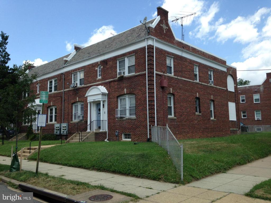 Brookland Semi-det Multi-Fam property w 4 one-BR units. 3 are rented; 4th unit (landlord's) never rented.  Off-street parking for 1 car + space for 2nd car. Tenants pay gas & electric. Walk to Metro, CUA, Providence Hosp. & Turkey Thicket Aquatic / rec center. Sale subject to all current leases. Email Lister for rent rolls & info. Unit #1 is vacant and accessible.
