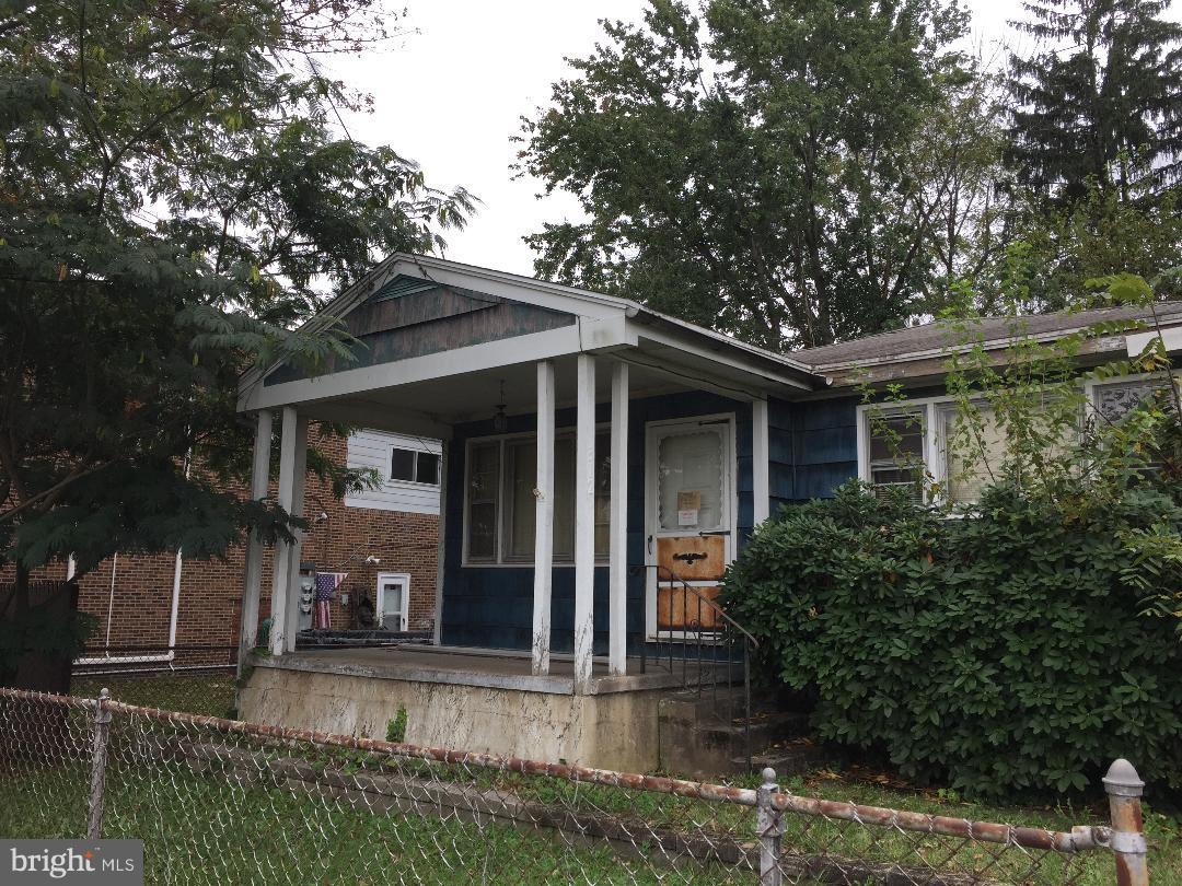 312 E 2ND STREET, ESSINGTON, PA 19029