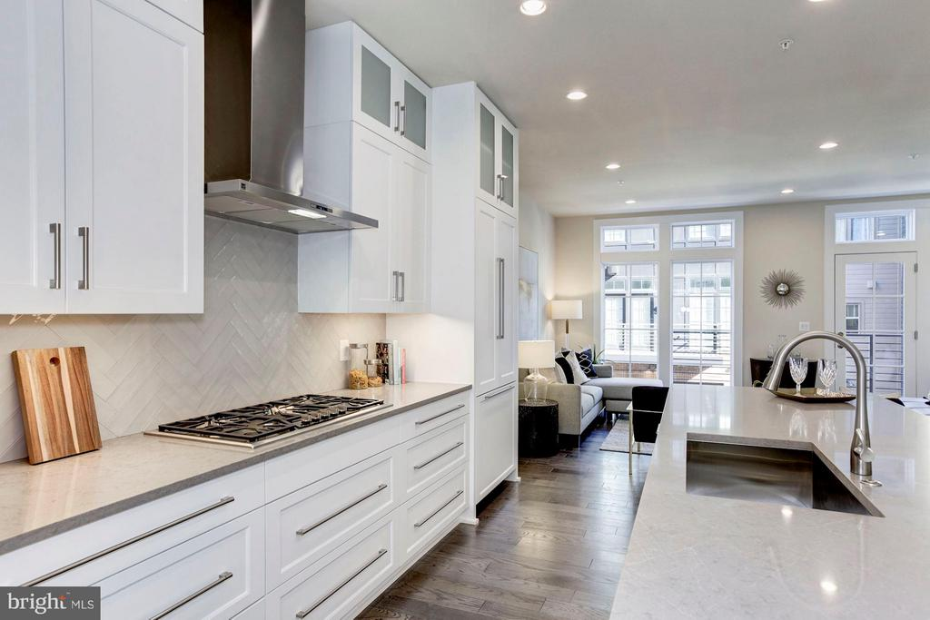 3691 Chevy Chase Lake Dr #lot 19 Stanford, Chevy Chase, MD 20815