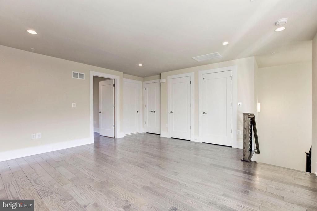 3645 Chevy Chase Lake Dr #stanford Model, Chevy Chase, MD 20815