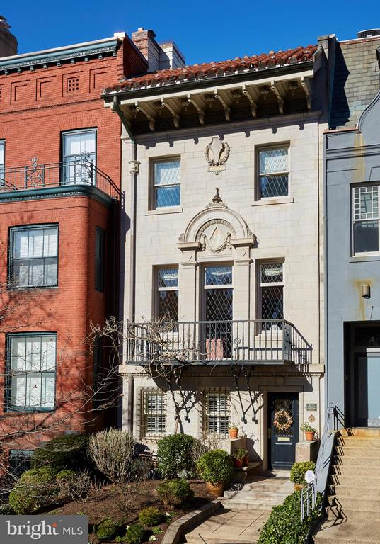 Exquisite Italian Renaissance Style townhouse in sought after Dupont Circle.  Designed by Waddy Wood in 1910 and restored in 2002.  The townhouse offers 5000 sq ft on 4 levels with a grand staircase from the Piano Nobile to the Main living area with Hi ceilings, a stunning wall of tall diamond paned leaded windows 5 fireplaces, elegant Dining room and a generous center island kitchen, with upscale appliances and custom cabinets, that leads to an Al Fresco dining size deck. Second level includes 3 bedrooms 2 new bathrooms with granite, sky lights, heated floor & Waterworks fixtures.The 1400 sq ft Duplex apt with large Living rm, & 2 baths rents for almost 3K a month. 2 convenient Pkg spots on newly bricked alley. Steps to Metro, Minutes to Rock Crk, 3 Mi to White House and 20 Min to Airport.OPEN HOUSE 1-4 SUNDAY FEB 24