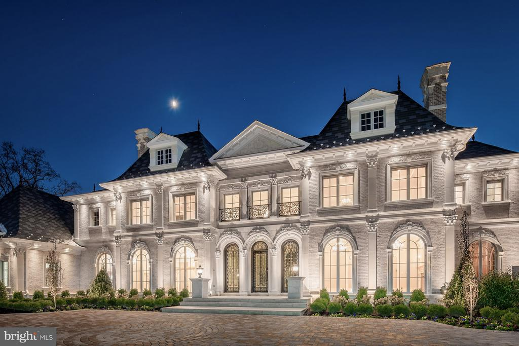 Masterfully developed by The Building Group, Inc. and inspired by the finest traditions of European architecture and design, Ch~teau de Lune is a sublime 16,800 square foot private mansion with 6,000 square feet of meticulously landscaped outdoor living space. Ideally located just outside of Washington, DC in prestigious Great Falls, Virginia the Ch~teau is prominently positioned within the exclusive enclave of Le R~ve, the finest luxury community to be developed in decades.