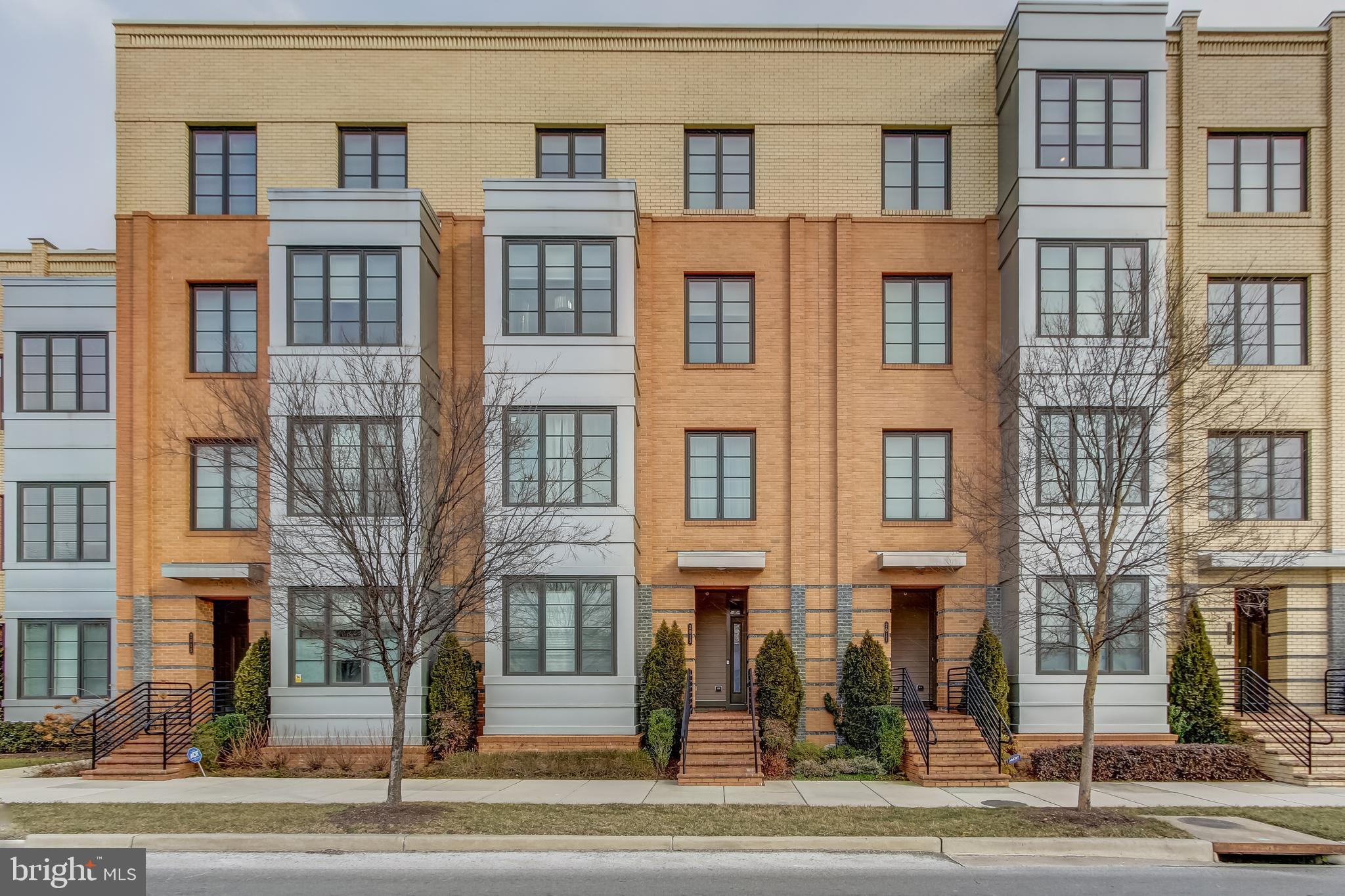 Spectacular 3 bed/2.5 bath in Potomac Yards. Top of the line new construction built in 2014. Upgraded appliances, custom built-ins, water filtration system, ActivTek Plus - Whole House Air Scrubber, smart thermostat and lighting, too many upgrades to name them all. Tons of natural light, great balcony, one car garage plus driveway. Lives large and comfortable with an open and airy feel. All of this just steps to Amazon HQ2 site, National Airport, Del Ray, Old Town, and Potomac Yards Shopping Center. This is a must see.