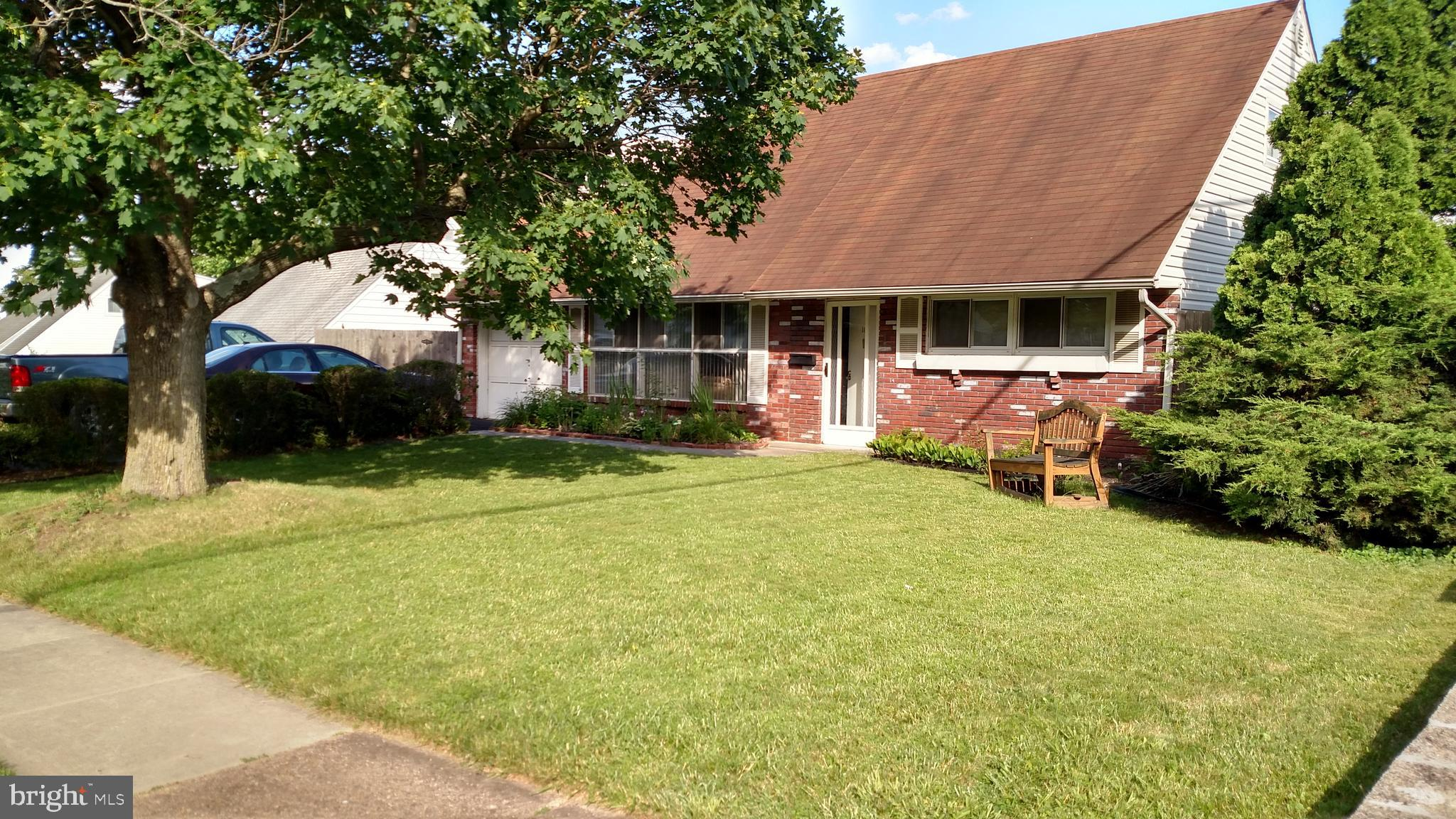 104 HEDGE ROAD, LEVITTOWN, PA 19056