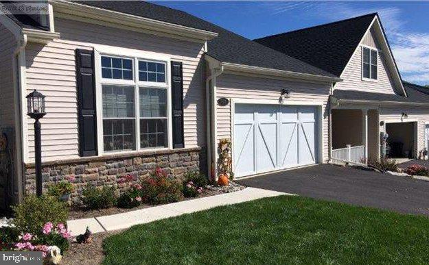 5510 THORNBERRY COURT, WHITEHALL, PA 18052