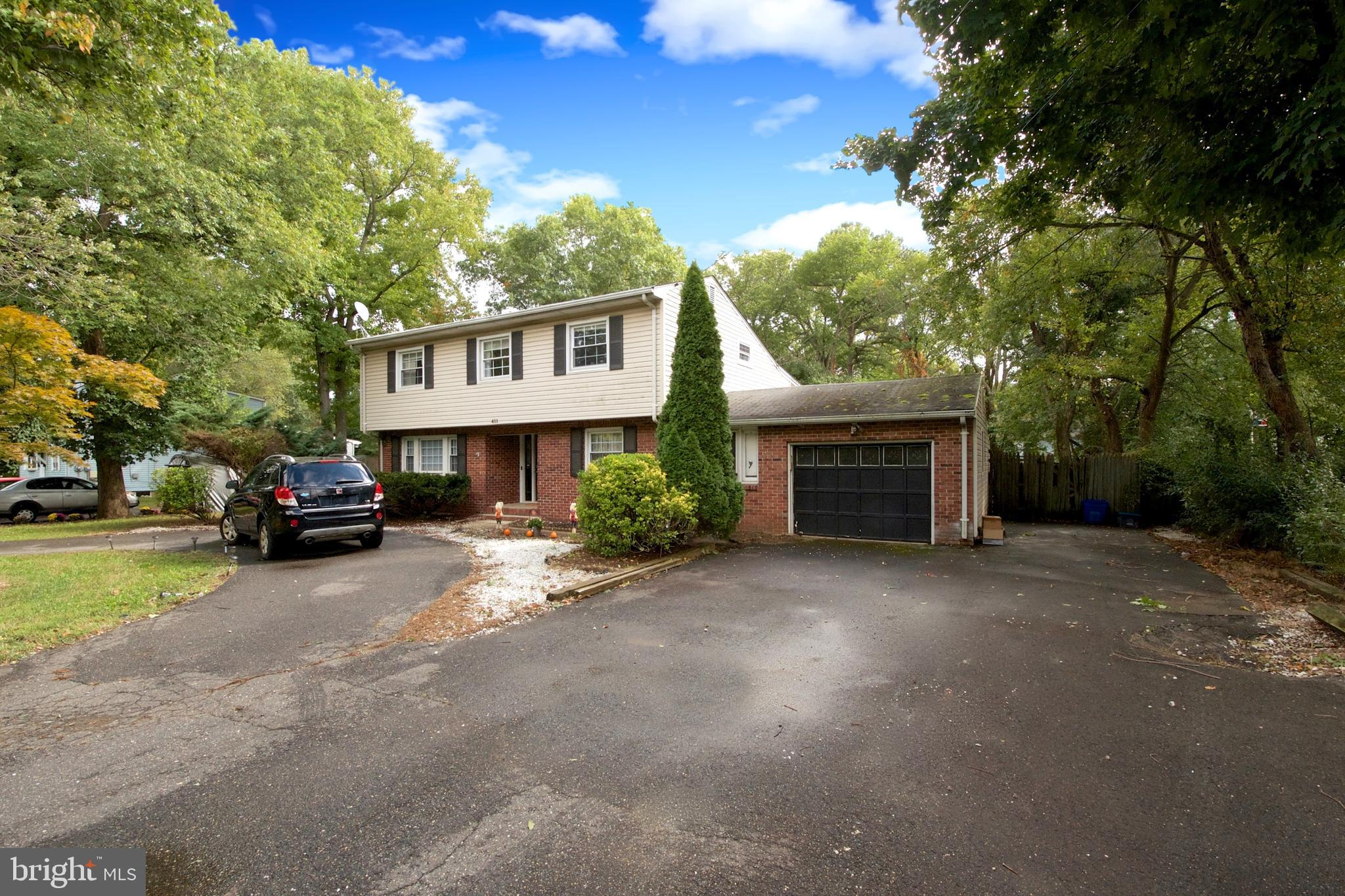 411 MANALAPAN ROAD, SPOTSWOOD, NJ 08884