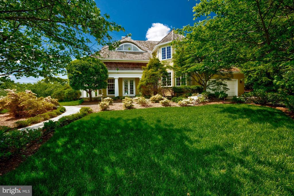 6004 Brookside Dr, Chevy Chase, MD 20815