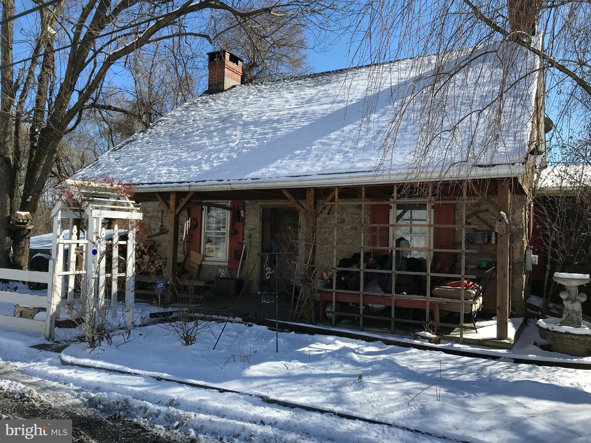 545 COUNTY LINE ROAD, RIEGELSVILLE, PA 18077