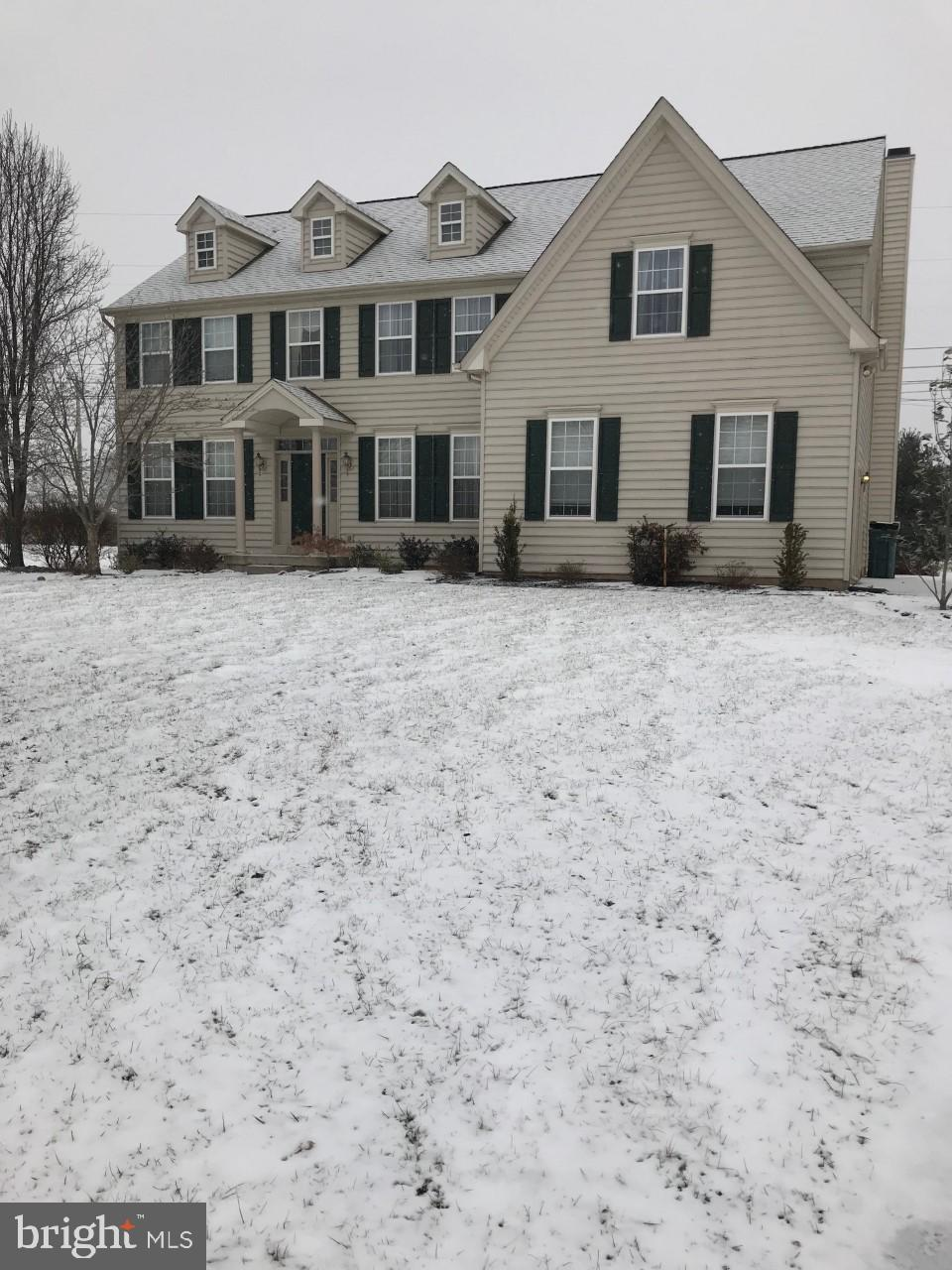 2012 WILLOWWOOD DRIVE, ROYERSFORD, PA 19468