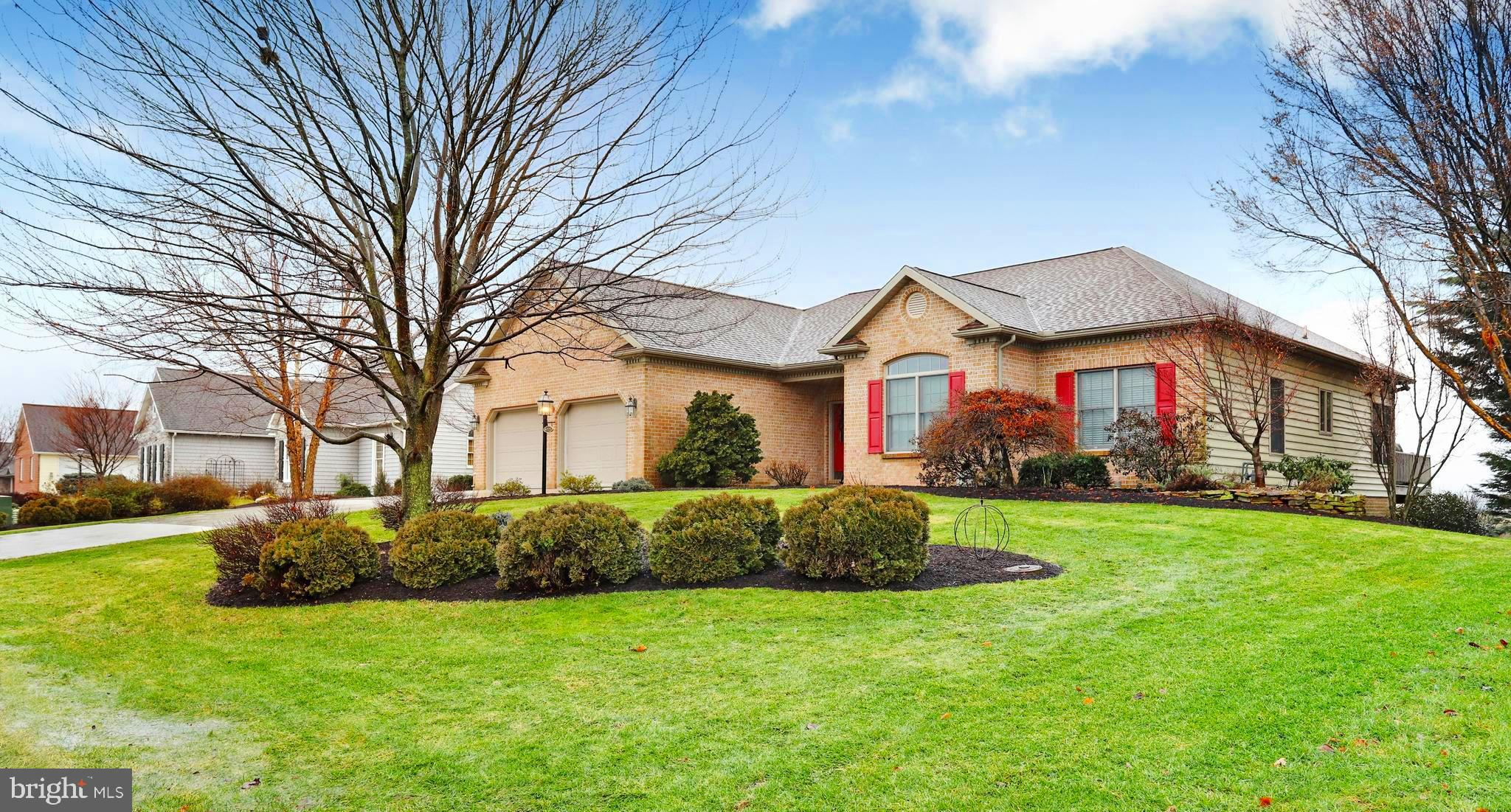 6223 MERION DRIVE, FAYETTEVILLE, PA 17222