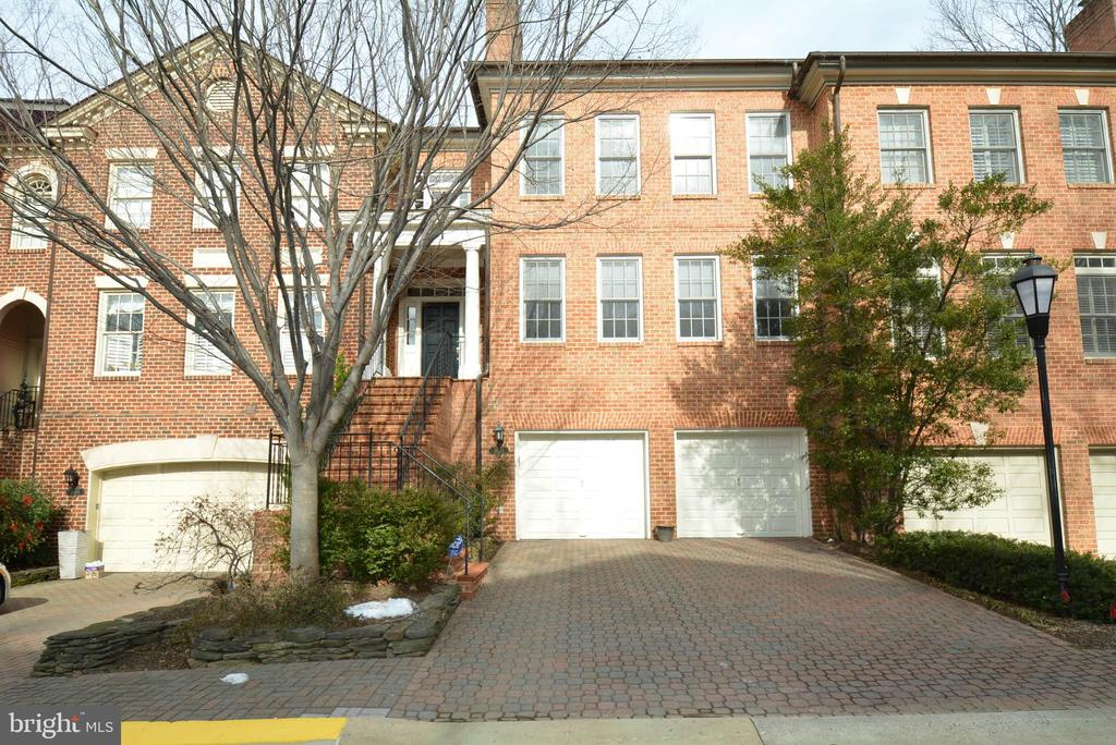 2007  MAYFAIR MCLEAN COURT, one of homes for sale in Falls Church