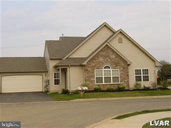 2845 DONEGAL DRIVE, MACUNGIE, PA 18062