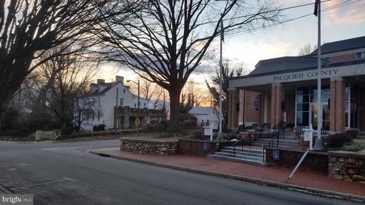 50 Culpeper St Warrenton VA 20186