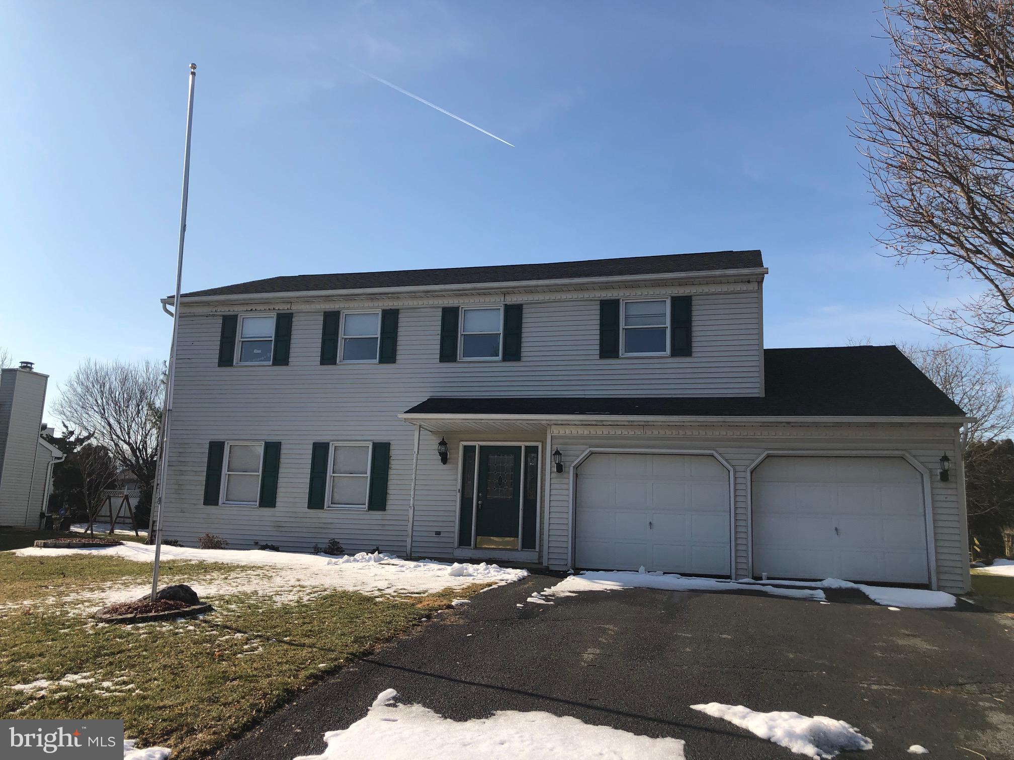 Great potential with good mechanicals located in sought-after community. Highly acclaimed school district.  Major routes, dining and shopping all just across the way.