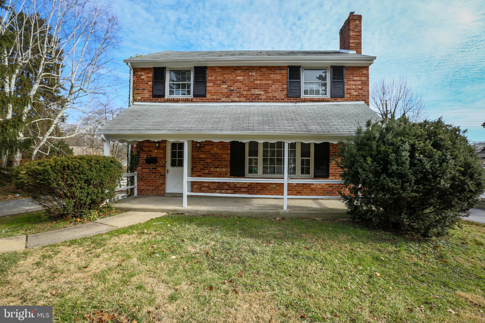 """Looking for a Single home in Springfield ?? Stop by  and check this one out!!! Large front & back yard space for use during  the up & coming spring & summer days. Walk through the front door into the main hall where you enter the bright living area with newly finished hardwood floors and fireplace for those cozy nights at """"Home"""". Accented with a gorgeous light fixture that makes the whole room shine. An inviting dining room/brand new kitchen. Complete with stainless Steel Appliances, granite counter tops and a wonderful island, waiting for that perfect dinner to be served. Upstairs features 3 bedrooms and a full hall bath. The master bedroom also features a bright and refreshing tiled bathroom with a shower stall and new vanity, in the privacy of your own space.  Additional to all of this there is a finished basement with powder room and separate storage area. Springfield Township offers an excellent library, School District, Country Club with municipal golf course, a swimming pool, clubhouse, and indoor ice skating rink, great restaurants, local shopping and public transportation near by.  Call for your showing today!!!!!"""
