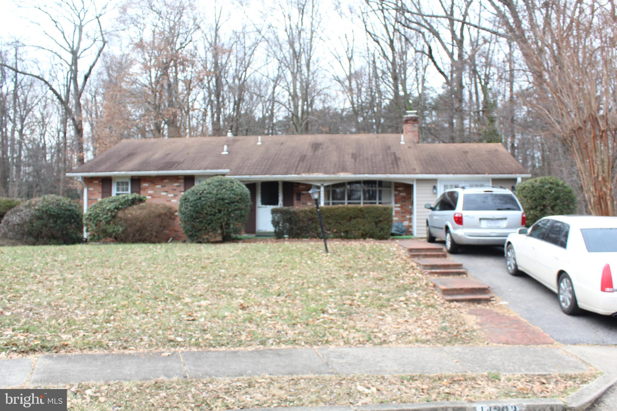 This property has two lots and two addresses = over 1/2 Acres in a nice and quiet Cul-De-Sac, closed to Hospital and Potomac Mills Mall, E-Z to access to I-95 and Prince William Parkway, 5-10 minutes to Fort Belvoir and Quantico.