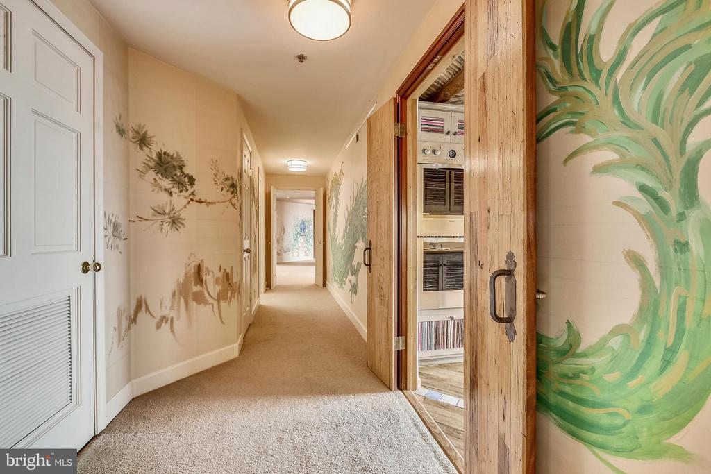 5610 Wisconsin Ave #ph-5c, Chevy Chase, MD 20815