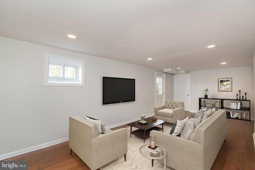 517 Whitingham Silver Spring MD 20904
