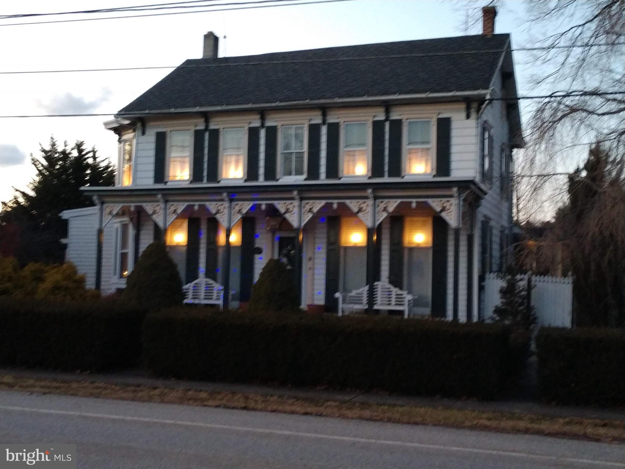 9 E MAIN STREET, NEW KINGSTOWN, PA 17072