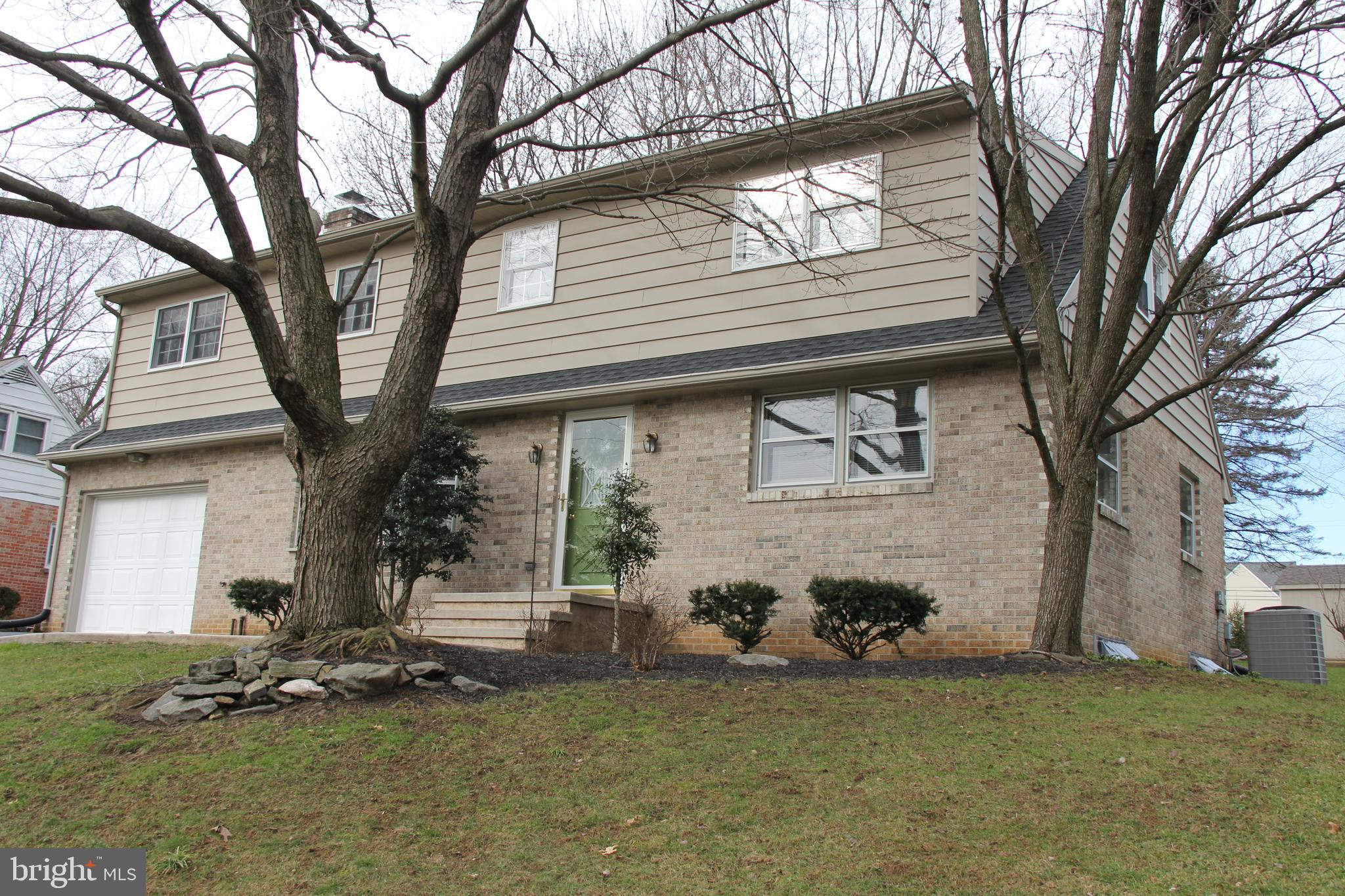 2527 SPECKLED DR, EAST PETERSBURG, PA 17520