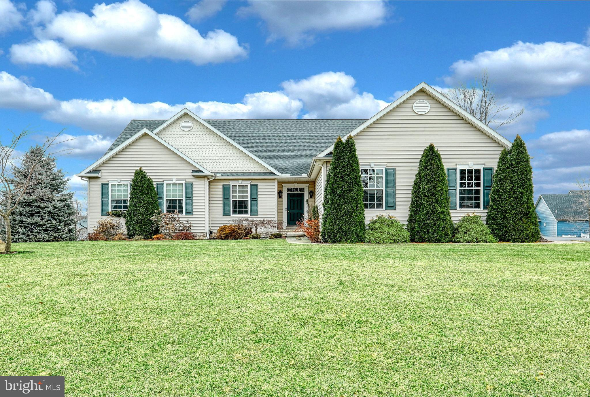 7673 GREEN RIDGE LANE, ABBOTTSTOWN, PA 17301