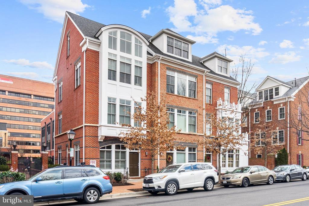 This 2012-built home has everything!  Old Town Alexandria welcomes you with this luxury 5 level townhouse-style condo sitting just a block from the Potomac River and Mount Vernon Trail.  Shopping and Dining options are plentiful and close-by, making this the perfect option for foodies and avid shoppers.  The premium chef's kitchen, highlighted by a Wolf stove and beautiful quartz counter-tops, will ensure you are well-fed even when dining at home.  This home is full of high-end finishes including hardwood floors throughout, wood plantation-style shutters, a full-level master bedroom suite and a private enclosed patio/courtyard, making this home a true retreat. Also included are two deeded parking spaces in a secured underground garage. Come see the best Old Town Alexandria has to offer!