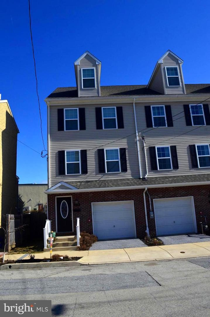 327 S Adams Street West Chester, PA 19382
